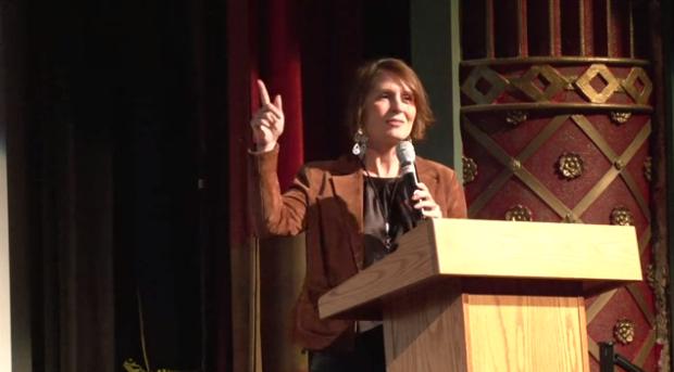 Cara Schulz at 2011's Ignite Minneapolis